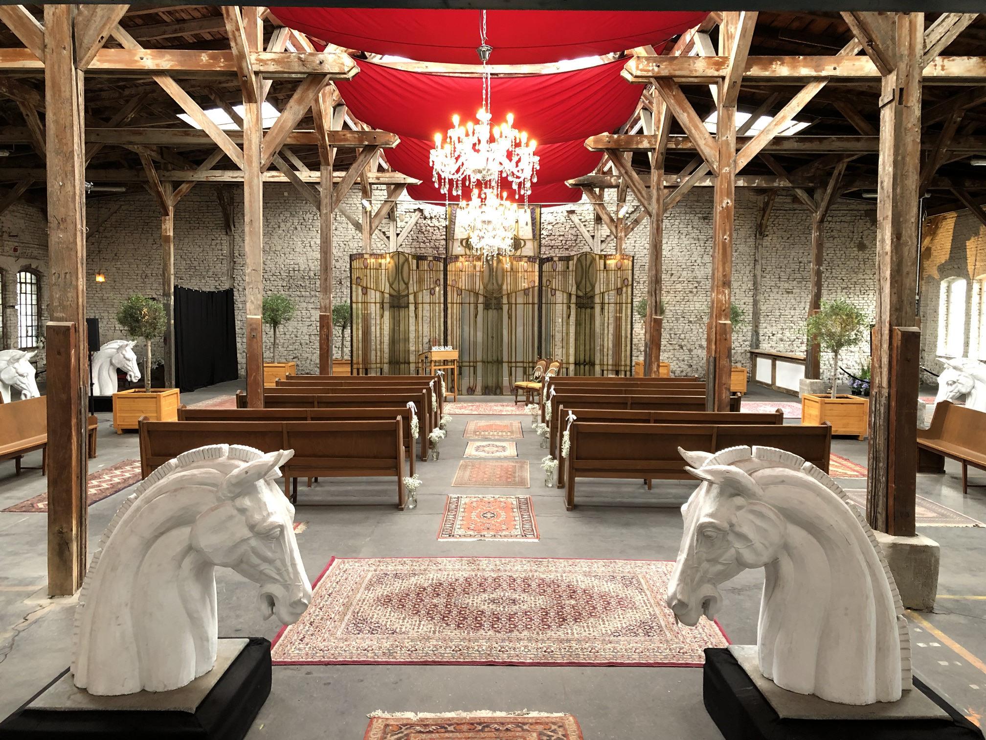 Blick in Trausaal von Chapelle de Nüss