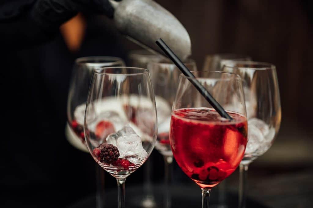 Hochzeit Gutshof Ladenburg: Sommerliche Drinks mit Beeren