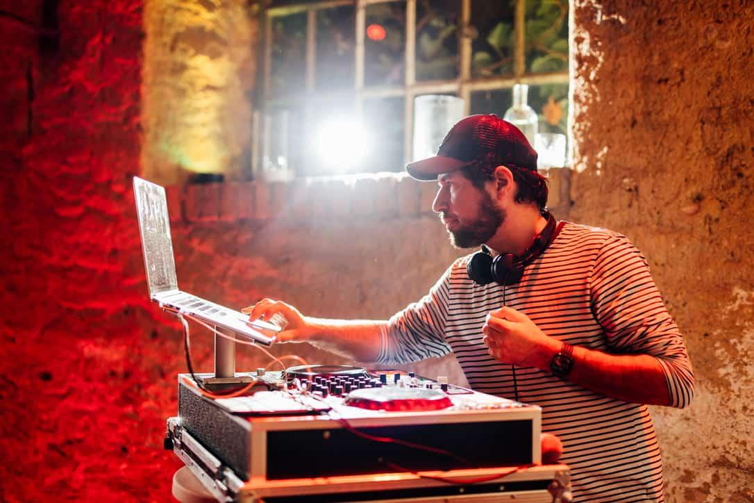 Hochzeit Gutshof Ladenburg: Hochzeits-DJ Markus Rosenbaum legt auf
