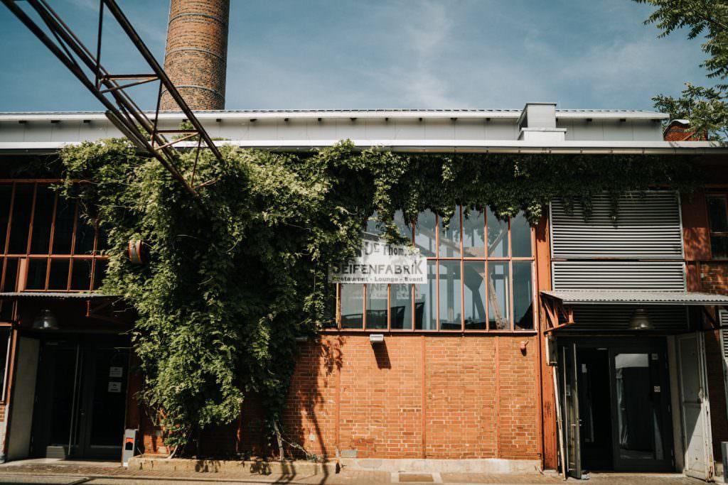 Industrie-Stil Hochzeitslocation Seifenfabrik Dr. Thompson's in Düsseldorf von außen